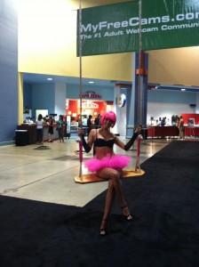 Miami Exxxotica 2011-swing