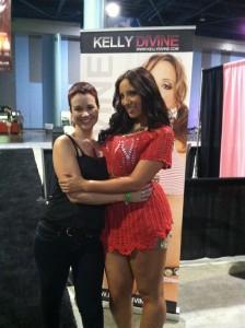 Miami Exxxotica 2011-Kelly Divine