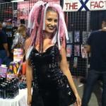 Miami Exxxotica 2011-hair